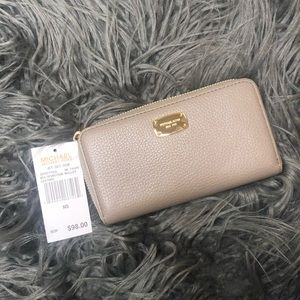 Michael Kors Taupe and gold wallet nwt